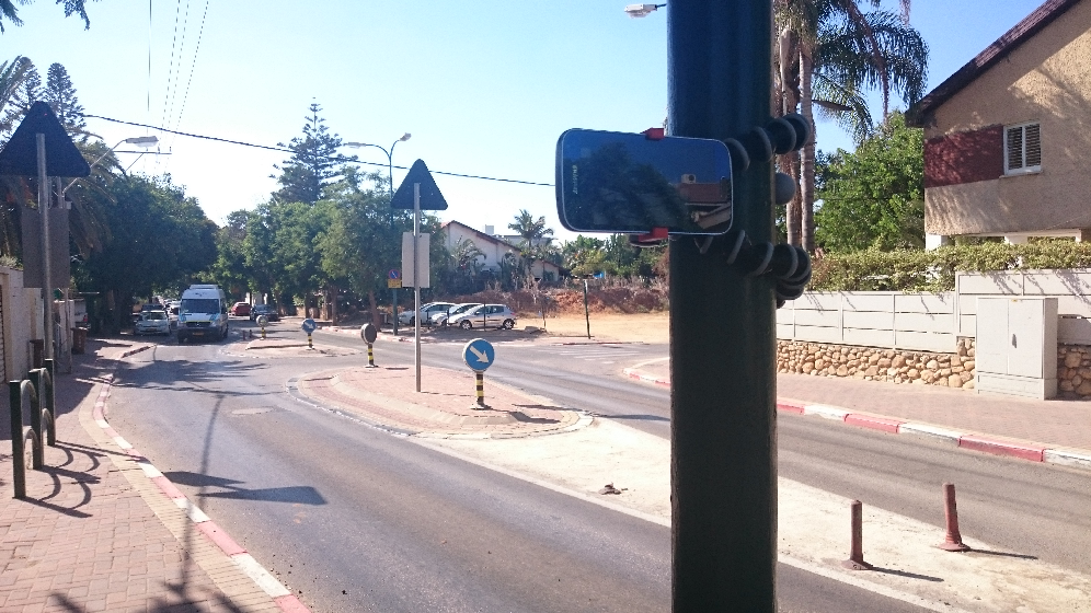 Figure 1 for Crossing the Road Without Traffic Lights: An Android-based Safety Device