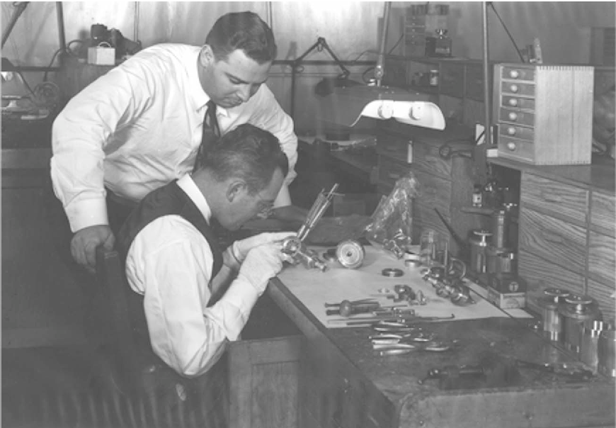 Fig 5 Building A Magnetron At Rad Lab Courtesy Mit Museum