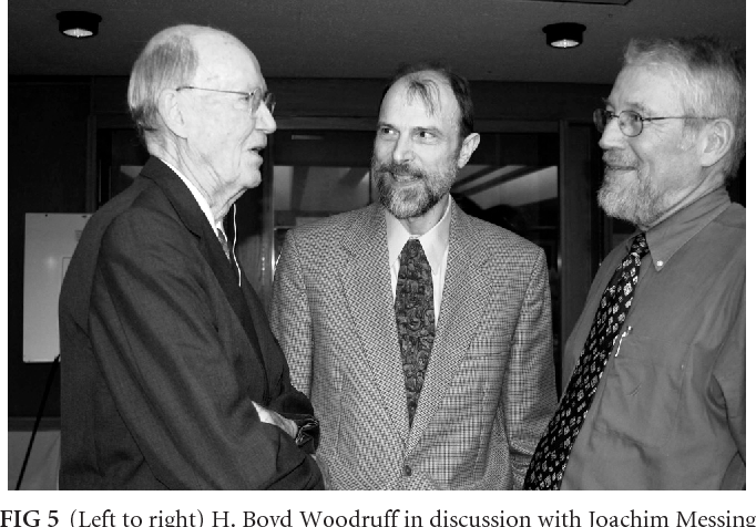 FIG 5 Left To Right H Boyd Woodruff In Discussion With Joachim Messing